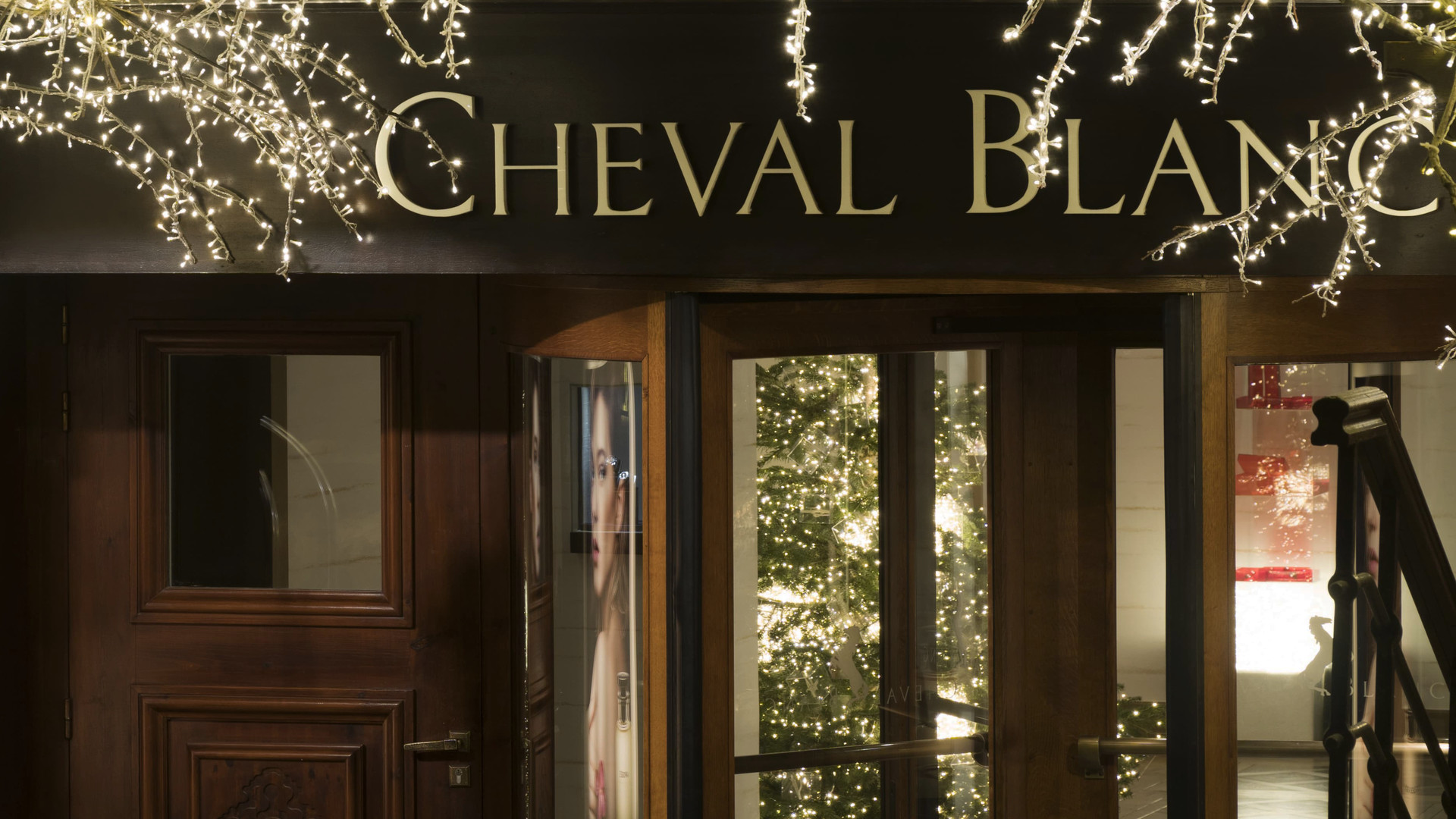 luxury hotel cheval blanc courchevel. Black Bedroom Furniture Sets. Home Design Ideas
